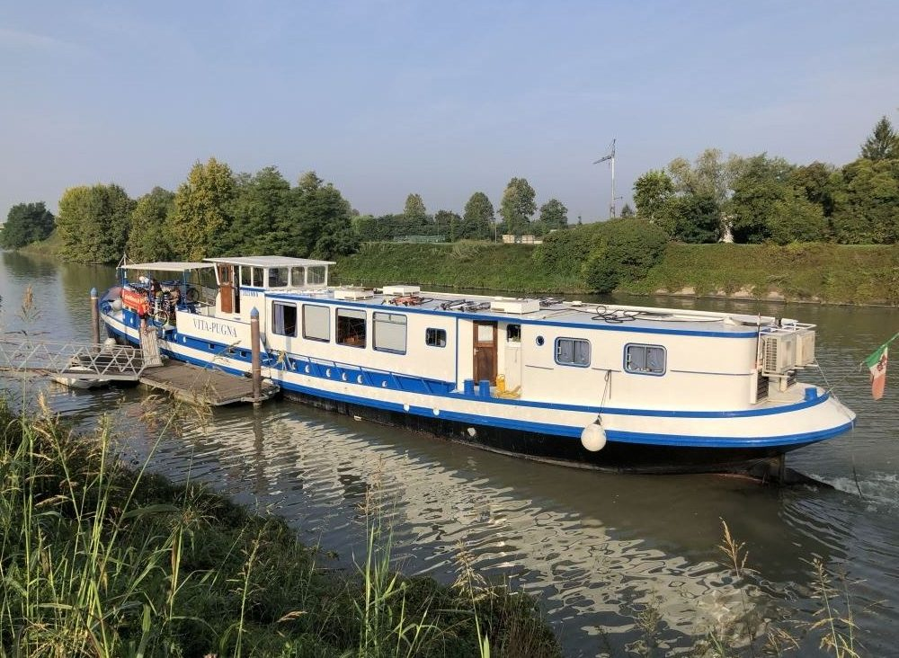 Vita Pugna - Venice Bike barge